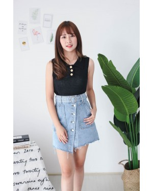 Korea Button Front V Collar Sleeveless Knit Top (Black)