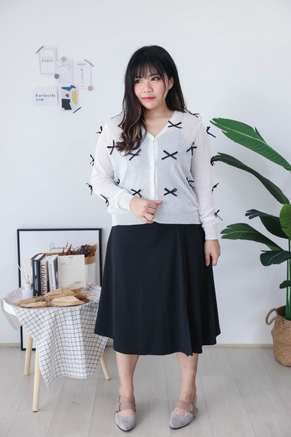 Korea Ribbon Button Front Long Sleeve Knit Outer (White)